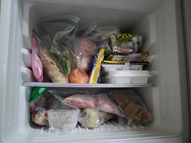 冷蔵庫のピーピー警告音が止まらない原因と対処法★食品の詰め込み過ぎ