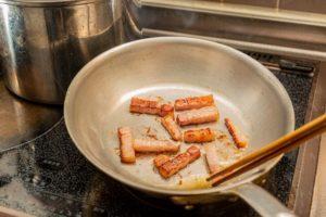 カルボナーラのレシピ 生クリームなしでも濃厚♪全卵とパルメザンチーズではなまる流