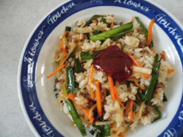ビビンバのレシピ♪フライパンで簡単におこげもできる人気メニュー!